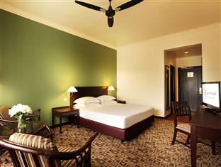 Superior Room Equatorial Hotel