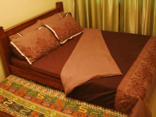 Queen bed with single pullout bed